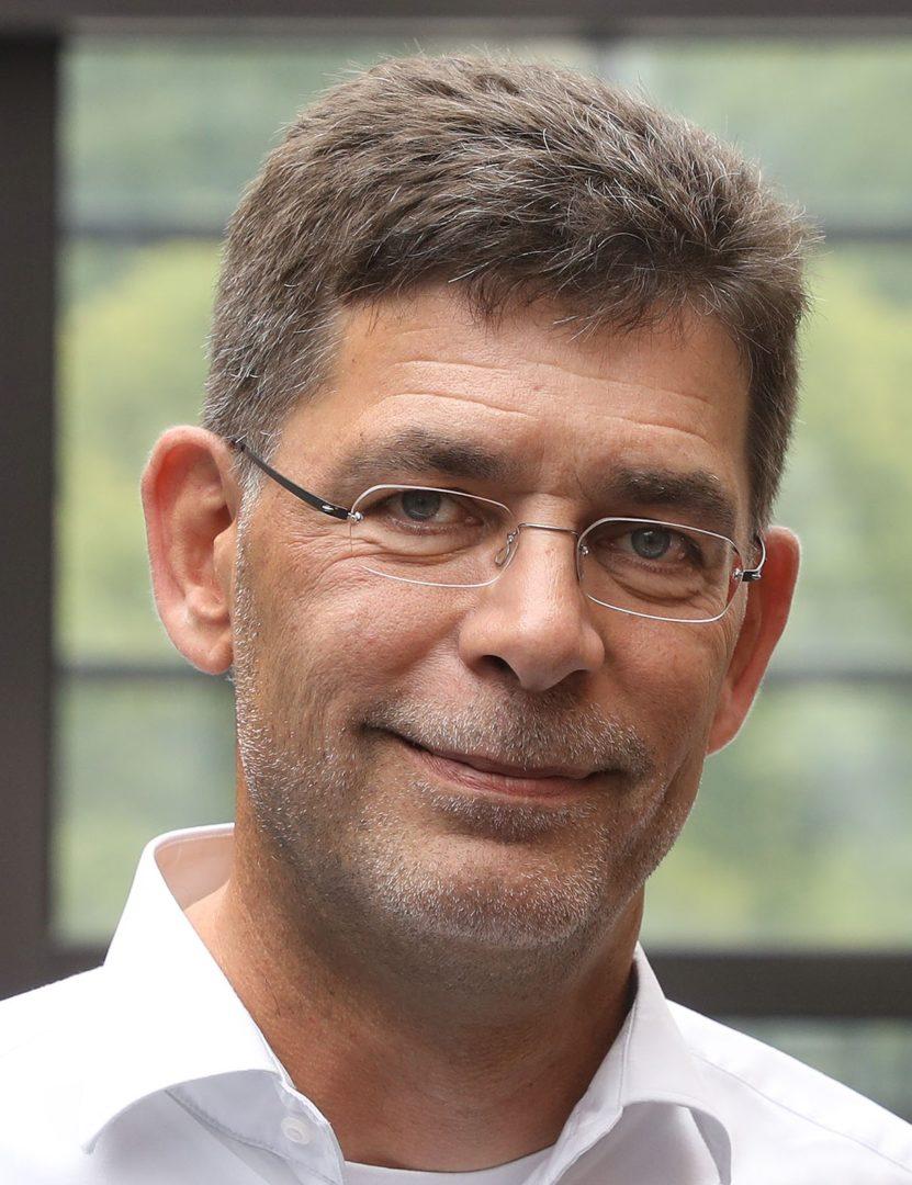 Peter Schnelle-Loeding